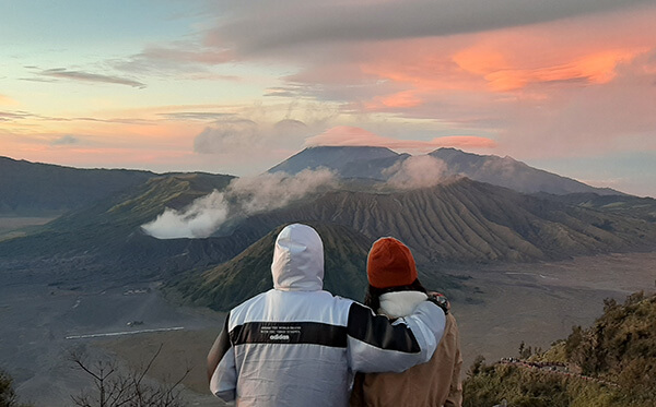 Honeymoon Tour Package to Mount Bromo