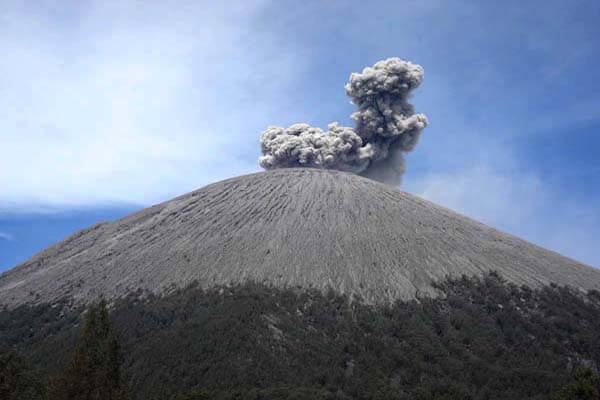Mount Semeru Climbing Package 2 Days