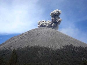 Mt Semeru Climbing Package 2 Days