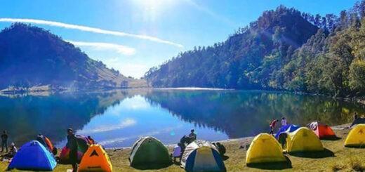Camping on Kumbolo Lake under Mount Semeru